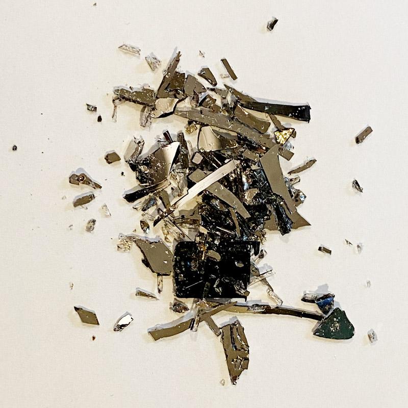 ハードディスクの破片